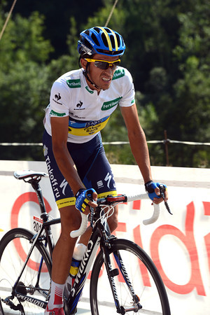 Contador is climbing the gradual ascent to the finish, but it's hurting him like never before...