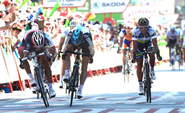 Daniele Bennati wins stage eighteen by a few centimetres from Ben Swift - Allan Davis takes third-place...