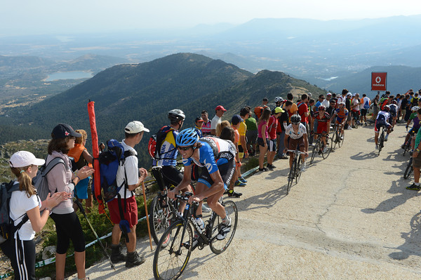 Johan Van Summeren leads a dropped group on to the Bola del Mundo - the 'Ceiling of Madrid' as it is called locally...