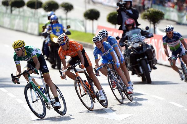 A six man escape is away on the second lap, led by Francesco Aramendia of Caja Rural...