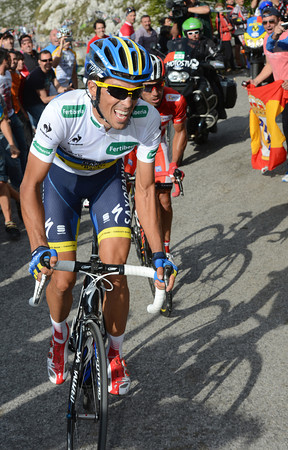 Contador attacks again, but Rodriguez stays with him...