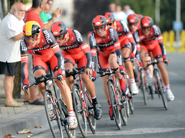 BMC had Philippe Gilbert leading them to 4th place, 10-seconds down...
