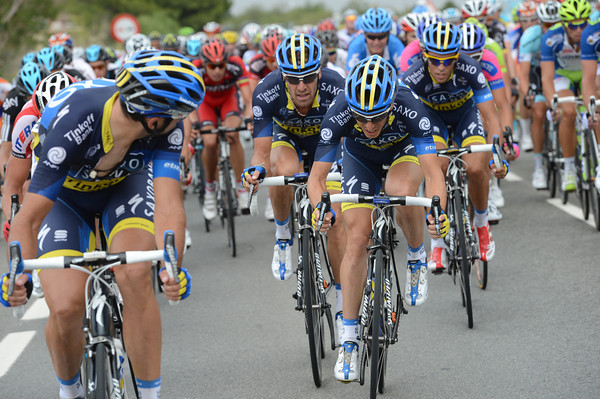 Saxo Bank now rush to the front to get Alberto Contador close to a bonus sprint if he can sprint a little..!