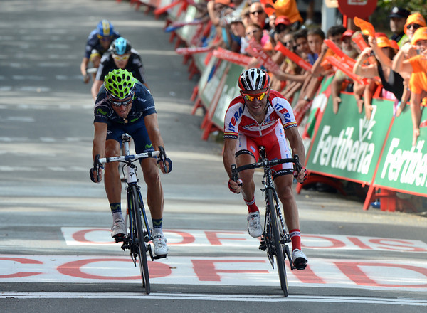 Valverde has rushed to the line, forcing a photo-finish between him and Rodriguez..!