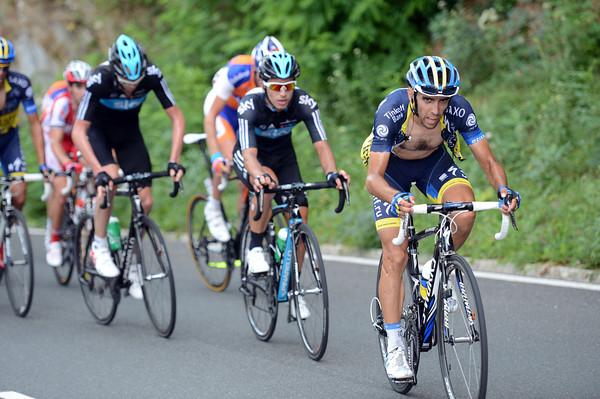 Daniel Navarro tries to wear Sky down as the final climb begins...