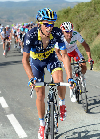 Contador acts as well, attacking with Rodriguez trying to stay on his wheel...