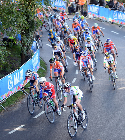The peloton is still fragmented and yet to organise itself for a while...