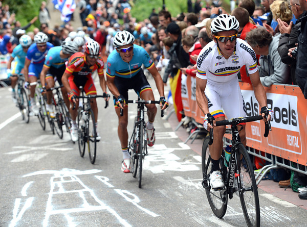 Rigoberto Uran attacks on the cauberg with about five laps to go - why..?