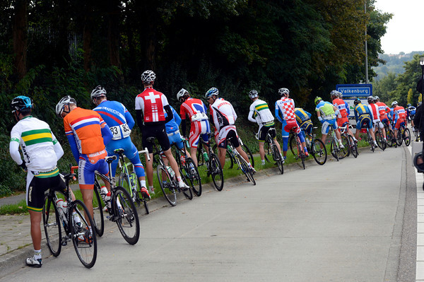 A universal sign that the peloton is happy to relax for a while...