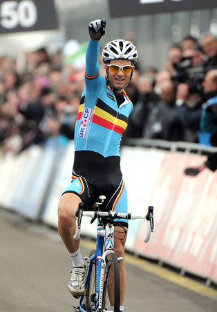 Niels Albert wins the World Cyclo-Cross championships for the second time..!