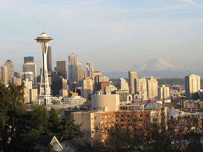 2013-04-25 Mt Rainier from Kerry Park