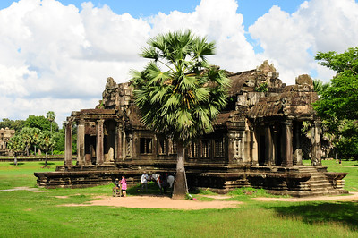 2013_Angkor_Wat_July   0019