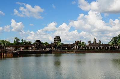 2013_Angkor_Wat_July   0004