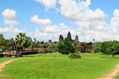 2013_Angkor_Wat_July   0016