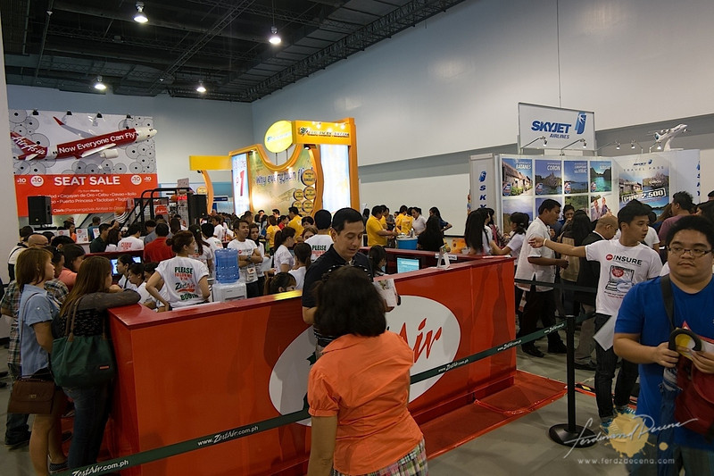 AirAsia/ ZestAir, SkyJet, and Cebu Pacific booths