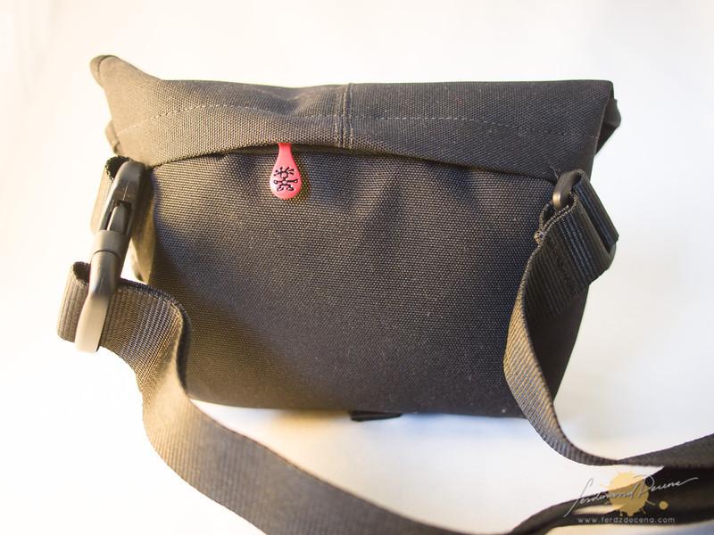 Rear zipper compartment