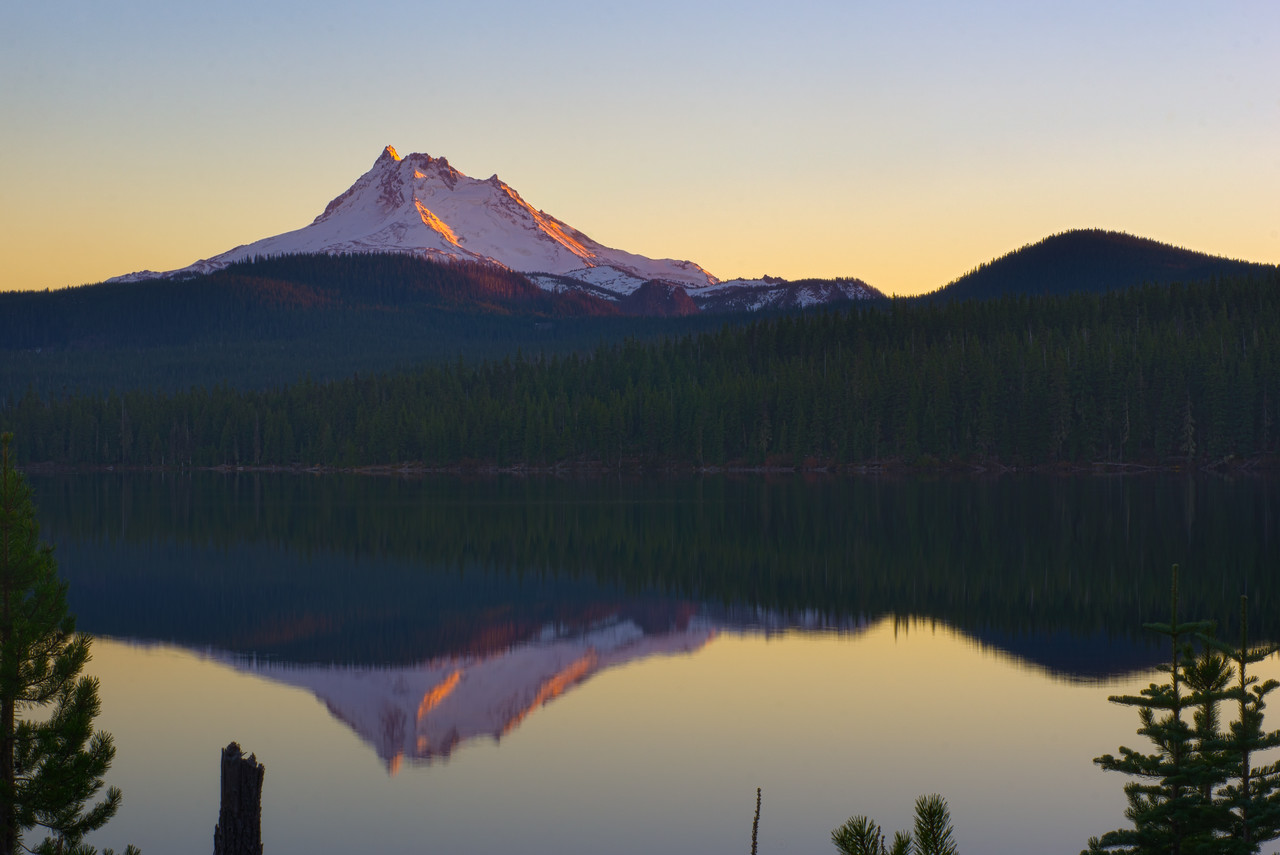 Reflection of Mt Jefferson
