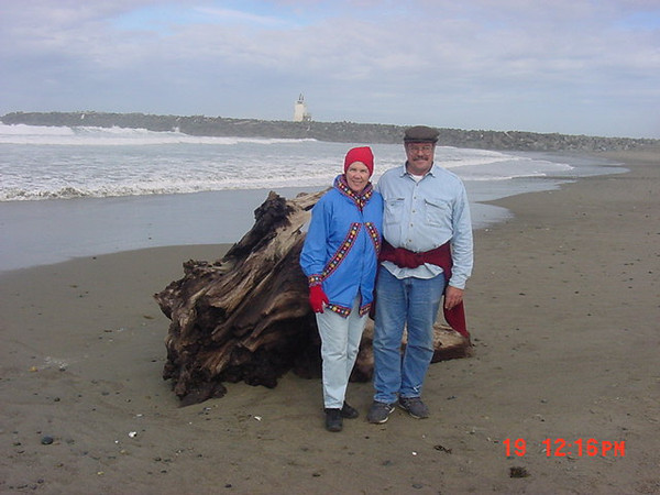 Kari Mohn and Stormy Mohn on the beach at Bandon.