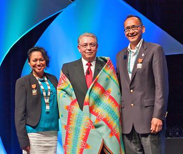 Presentation of a Pendleton Indian blanket.