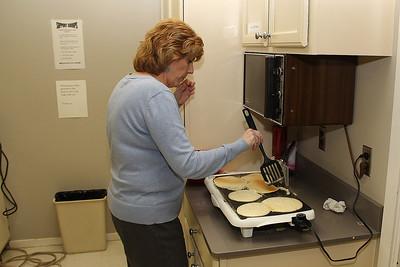 IMG_9563jcarrington stp shrove tues pancake supper 13