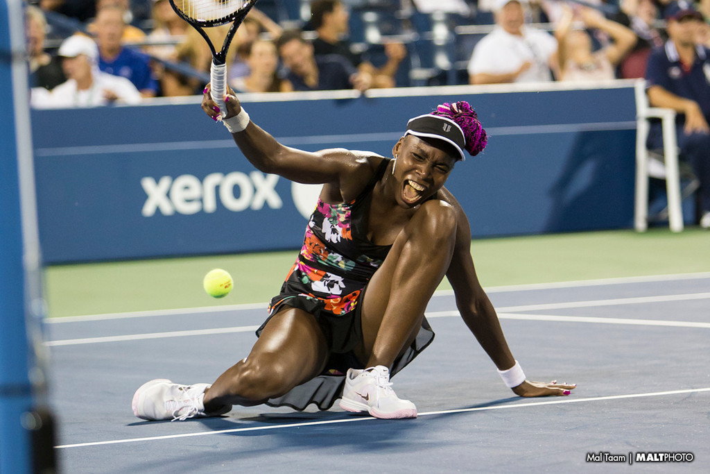 Venus reacts after committing  an unforced error while the score was tied 5-5 in the 3rd set tie breaker in her match against Jie Zheng.