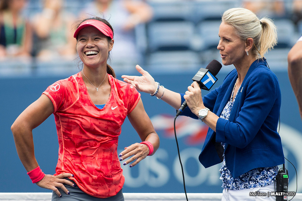 Li Na and Rennae Stubbs share a laugh during the post match interview. Rennae joked with Li about shopping.