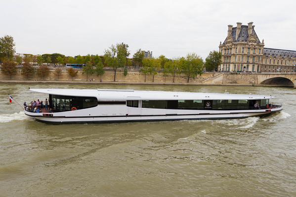 9/20/2013: Walking along the Seine River. The very stylish cruises.