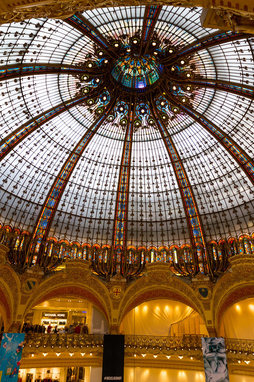 9/20/2013: La'Fayette - Paris' biggest mall. 7 floors for women, 3 for men. The dome for the women's building.