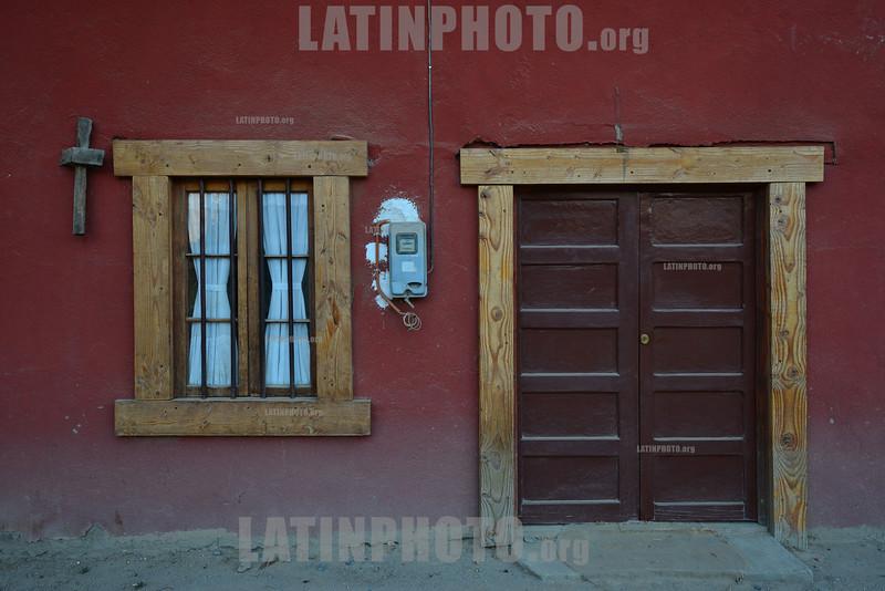 2013-01-18  CONTRUIDAS COM O METODO DE ADOBE - TULAHUEN - VALE DO LIMARI - CHILE / CASA EN STILO DE ADOBE / HOUSE MADE IN ADOBE STYLE / HAUS IM ADOBE STIL . © Lucas LAcaz Ruiz /LATINPHOTO.org