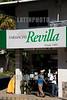 Panama : Farmacia en Bajo Boquete en la provincia de Chiriqui / Small town Boquete in western - most Chiriqui Province / Apotheke Bajo Boquete in der Provinz Chiriqui im Bezirk Boquete © LATINPHOTO.org