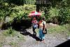 Panama : Bajo Boquete es un corregimiento y ciudad cabecera del distrito de Boquete en la provincia de Chiriqui - indigena mujer con nina / Boquete is a small town on the Caldera River , in the green mountain highlands of Panama, in western - most Chiriqui Province / Bajo Boquete liegt in der Provinz Chiriqui im Bezirk Boquete des mittelamerikanischen Staates Panama und wird häufig auch nur als Boquete bezeichnet - Indigenous © LATINPHOTO.org