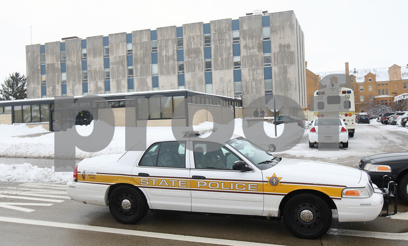 Kyle Bursaw — kbursaw@shawmedia.com<br /> <br /> The FBI and Illinois State Police served a search warrant at the University Police and Public Safety building at Northern Illinois University in DeKalb, Ill. on Wednesday, March 6, 2013.