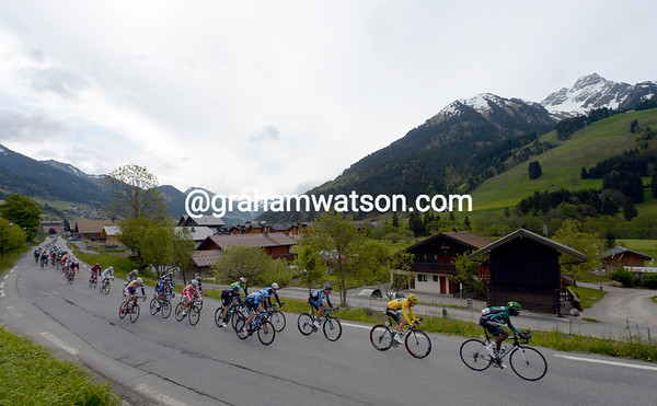 The race has started at Chatel, but the cyclists are in no mood to enjoy the scenery of the Alps today...