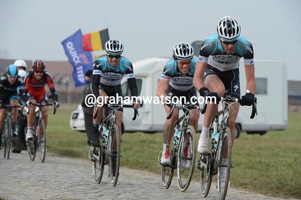 Stijn Vandenbergh chases Sagan and Cancellara for Chavanel...