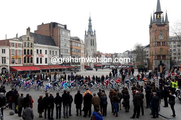 The race speeds through the centre of Kortirjk with 210-kilometres more to cover...