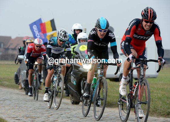 Oss chases the Omega trio, plus Sagan and Cancellara - but the gaps have opened up for good...