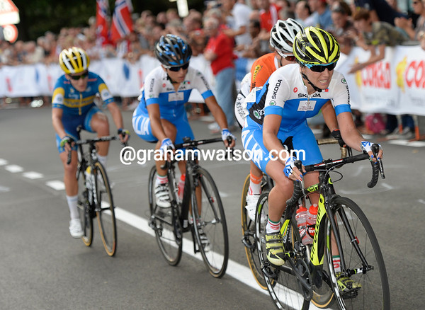 Cantale leads Van der Breggen, Ratto and a Johansson in a new attack - but Vos isn't in it...