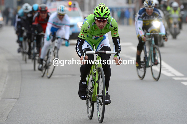 Sagan attacks in the last three-kilometres, just as the chasers are getting a little too close.!