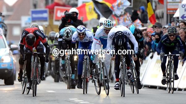 Van Avermaet, Bozic and Haussler race for the podium...