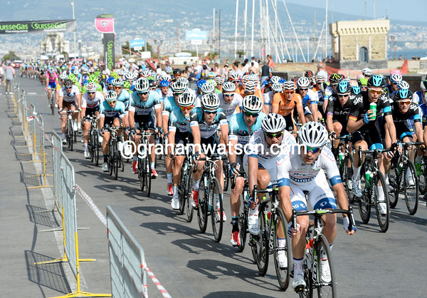 Argos-Shimano is leading the peloton with four laps to go...