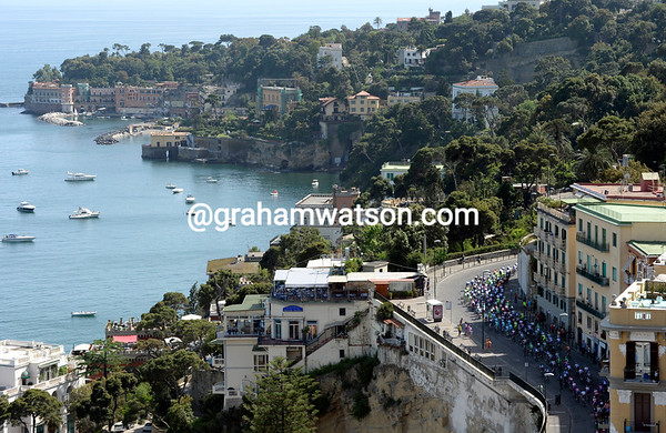 The peloton skirts the Bay of Naples on stage one...