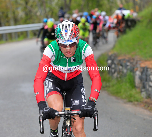 Franco Pellizzotti makes an attack on the first slopes of the final climb...