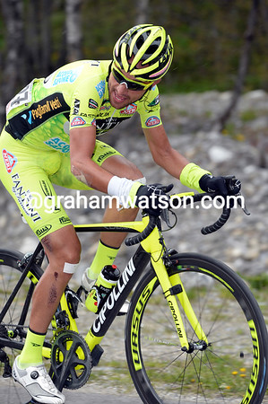 Rabottini is trying to cross from the peloton to Visconti on the Galibier...