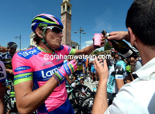 """Now we're talking"" - Pippo Pozzato goes straight for the Prosecco..."