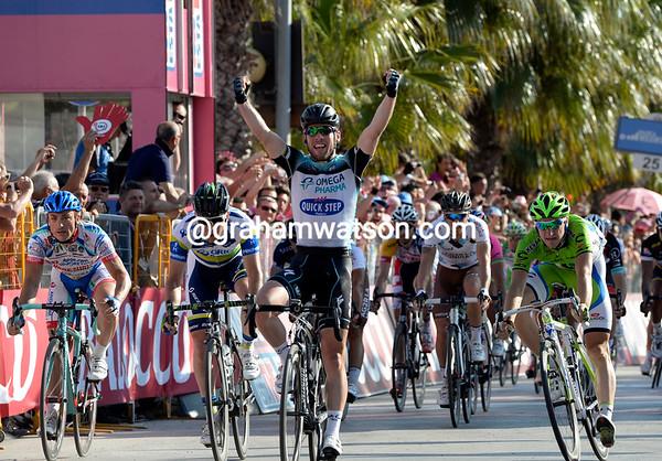 Mark Cavendish wins stage six..!