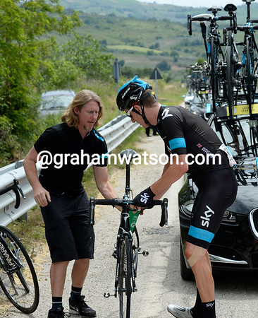 Bradley Wiggins needs to change bikes with the peloton chasing another escape...
