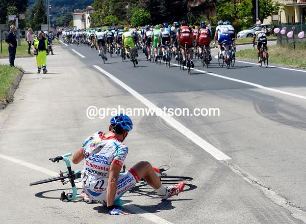 Giaro Ermeti has hit the deck after just 500-metres of racing..!
