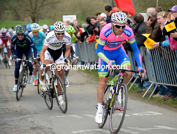 Michele Scarponi chases Contador, followed by Gilbert and Valverde...