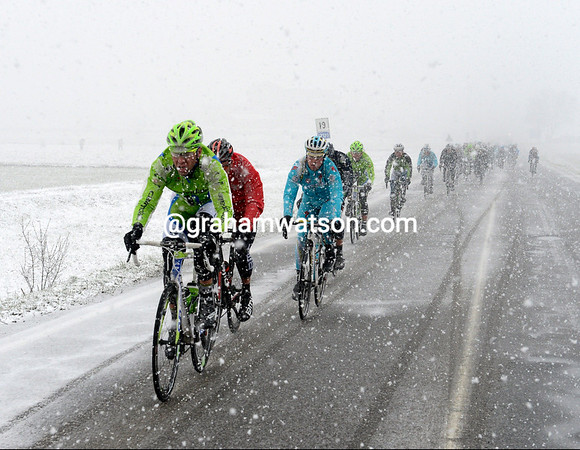 Cannondale is still maintaining a high pace, despite the news that the race will be neutralized soon...