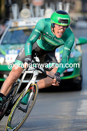 Damien Gaudin thrilled France by winning today's Prologue at an average speed of over 48-kilomeres-per-hour..!